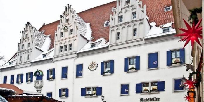 Grosser-Adventskalender-in-Meissen_big_teaser_article
