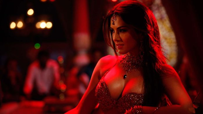 sunny_leone_from_the_film_shootout_at_wadala